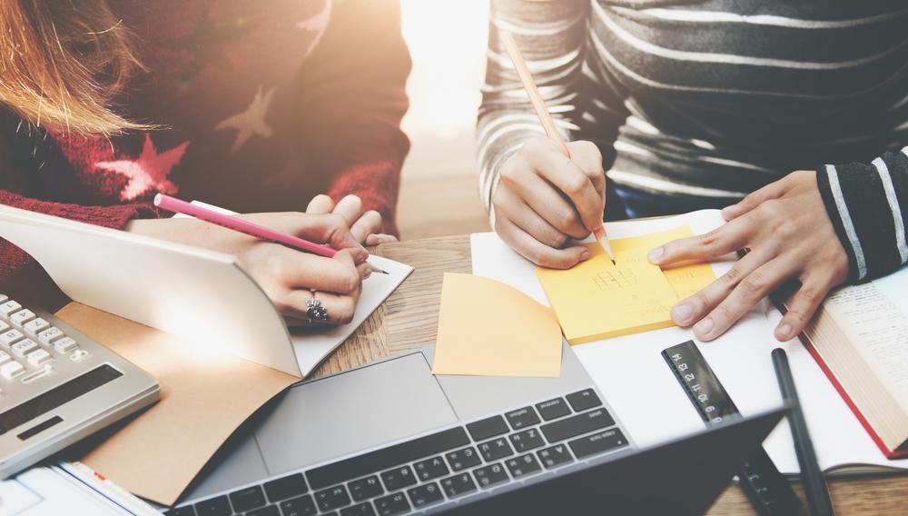 Aujourd'hui, les collaborateurs n'attendent plus que le responsable formation accepte leur demande pour se former : ils utilisent les MOOC. Et c'est une bonne nouvelle pour les entreprises !